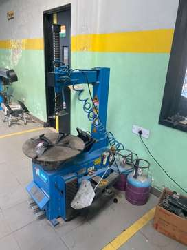 Car workshop equipments