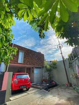 Dijual rumah cantik , semi industrialis Di Cipondoh, Tangerang