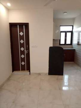 2bhk flat 32 lac only on road property