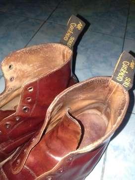Sepatu Dr. Martens kondisi 95%