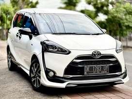 Dp 47jt Toyota Sienta Q matic 2019 pmk Asli Bali putih