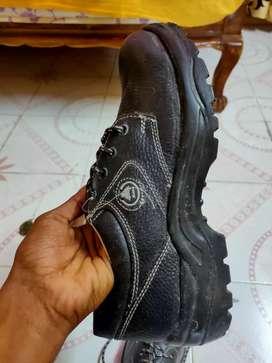 Bata brand new shoes (oil&acid resistant) 8