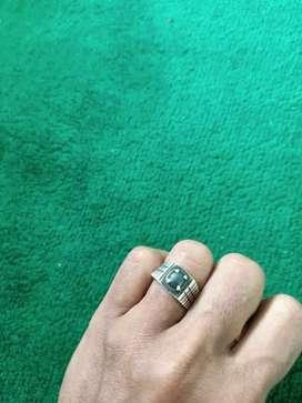 Di jual batu badar besi untuk cincin ,kalung yg minat bisa di tes