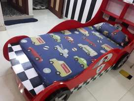 Car furniture for kid red colour 3 month used with matress