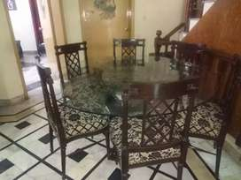 Six chairs round dinning table just glass for sale
