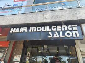 Receptionist required for Famous Salon