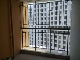 3 bhk unfinished newly painted flat available in Shapoorji Newtown