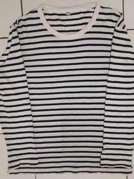 Tshirt stripe uniqlo hitam putih