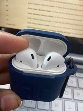 apple airpods 2 wireless charging with a silicon cover