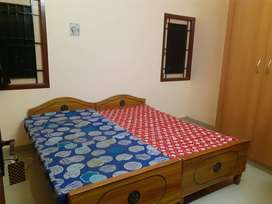 Pg hostel mansion accommodation rooms with food