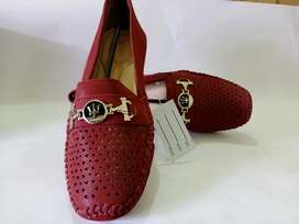 LADIES BRANDED IMPORTED CASUALS