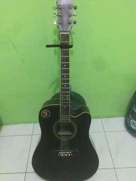 Gitar akustik fender