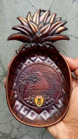 Souvenir Hawaii, model nanas,bahan besi,harga untuk 3 souvenir