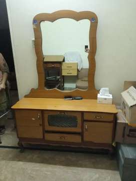 Mirror table or dressing table