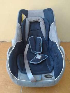 Baby car seat (tempat duduk bayi di mobil) merk pliko