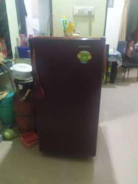 Used working refrigerator 195 ltr Kelvinator