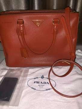 For sell tas Prada Saffiano Rame 33cm..baru pake 2x..perfect authentic