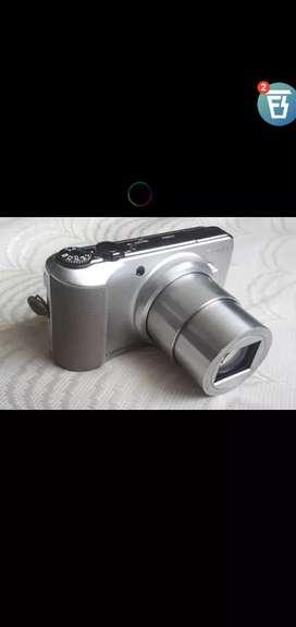 Sony Travel Camera zoom better than DSLR camera