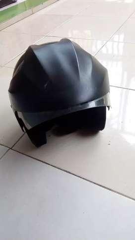 Helm second jual cepat edisi pindah rumah