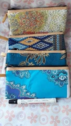 Souvenir dompet batik besar murah