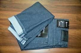 Celana jeans abu garment wash