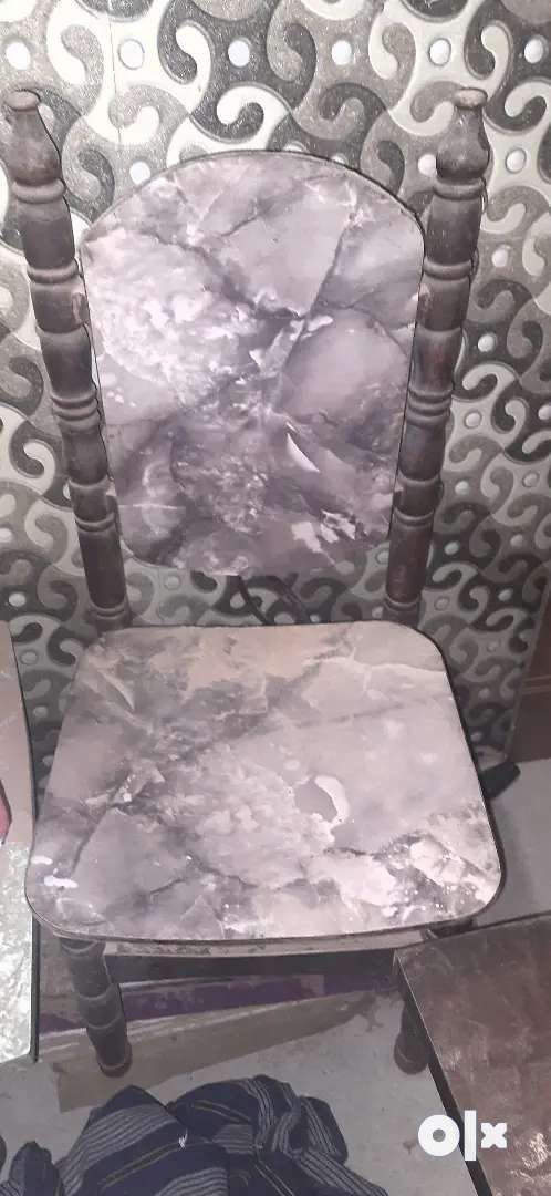 Wooden sag dinning chair 4 nos