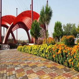 V BLOCK 7 MARLA WELL LOCATED PLOT FOR SALE IN GULBERG RESIDENCIA ISB