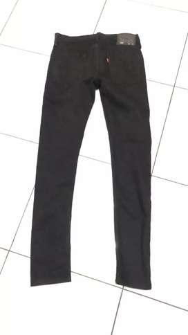 Celana Panjang Levi's