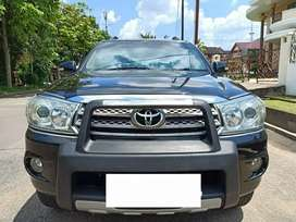 TOYOTA FORTUNER G LUX METIC,2009,UANG MUKA CUMA 19 JT