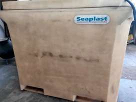 Cooling box Seaplast 310 ltr