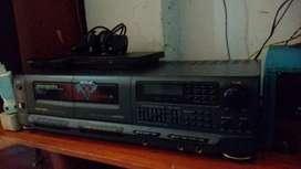 Jual murah Ampli tape deck polytron 900 w remote
