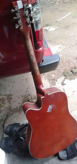 gitar merk yamaha FC 1250