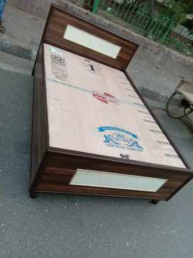 Good quality Brand new bed 6/4 size good finishing