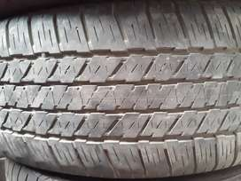 R 18 ban new fortuner / pajero . Bridgestone . 2 bj
