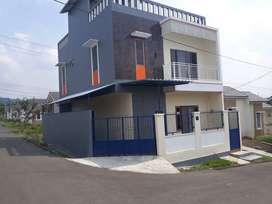Rumah dijual Citra indah city bagunan 3 lantai view bukit