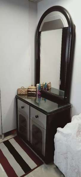 Dressing table for urgent sale