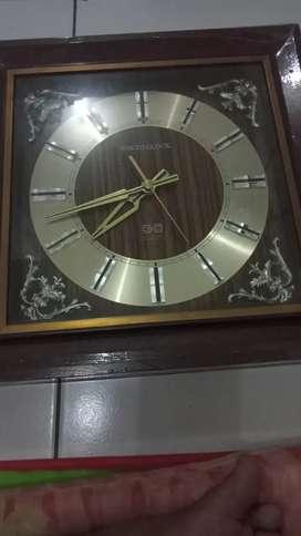 Jam antik dari jepang
