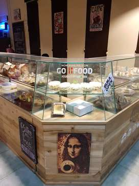 Etalase bekas toko roti