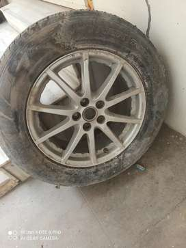 Alloy wheel R17 new wheel 225 /65/R17. Of course hardly needs cleaning