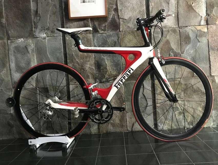 "Ferrari Carbon Fibre Series 21"" Touring Road Bicycle Bike with 700C Wh 0"