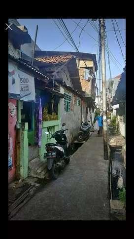 Dijual cepat rumah kampung di bukit duri Tebet Jakarta Selatan
