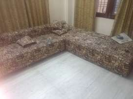 I m selling sofa n table it's very durable