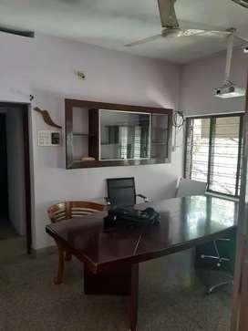 Plamoodu pattom Main Road.. 900sqft 1st Floor Office suitable House..
