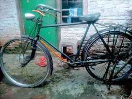 Sepeda tua merk Hercules