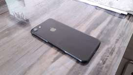 Iphone 7 jet black 128gb rs18,000