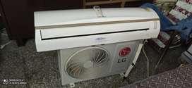 Lg split AC good condition