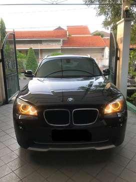BMW X1 AT Hitam Metalik 2013