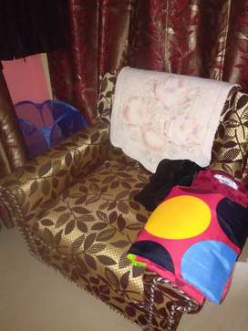 Single seat sofa..well maintained and unused
