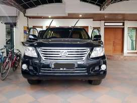 Mobil lexus lx570