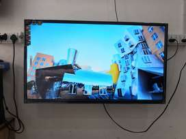 Enjoy rich quality of 32'' LED TV with latest modal**